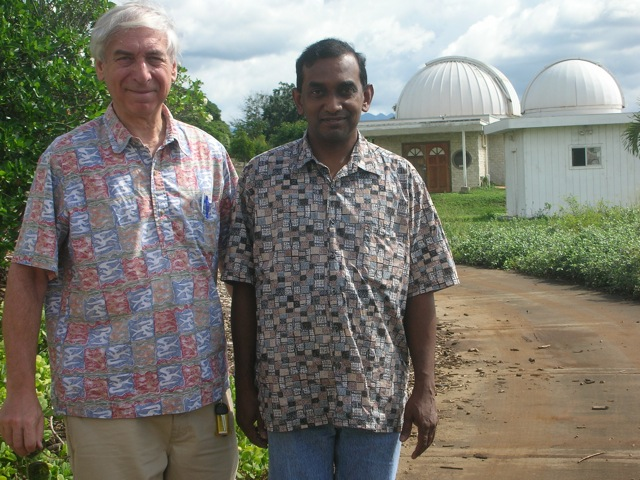 Kakkala Mohanan with Jay Pasachoff on a subsequent visit to Leeward CC (not in the photo: Bryce Babcock and Eric Pilger)